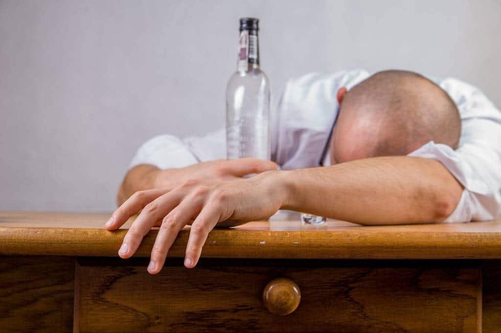 Jak zmotywować alkoholika do leczenia?