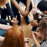 Dlaczego warto chodzić na terapie grupowe lub indywidualne?