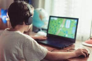 Uzależnione dziecko od komputera