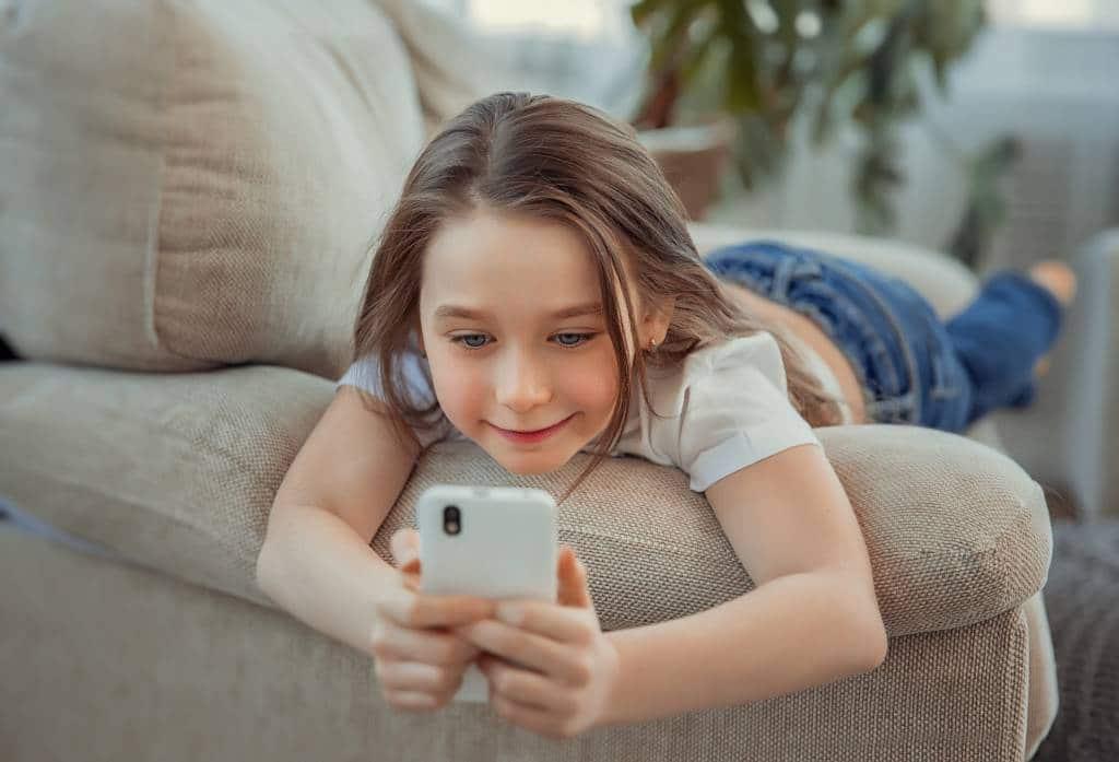 Jakie są objawy uzależnienia od telefonu komórkowego u najmłodszych?